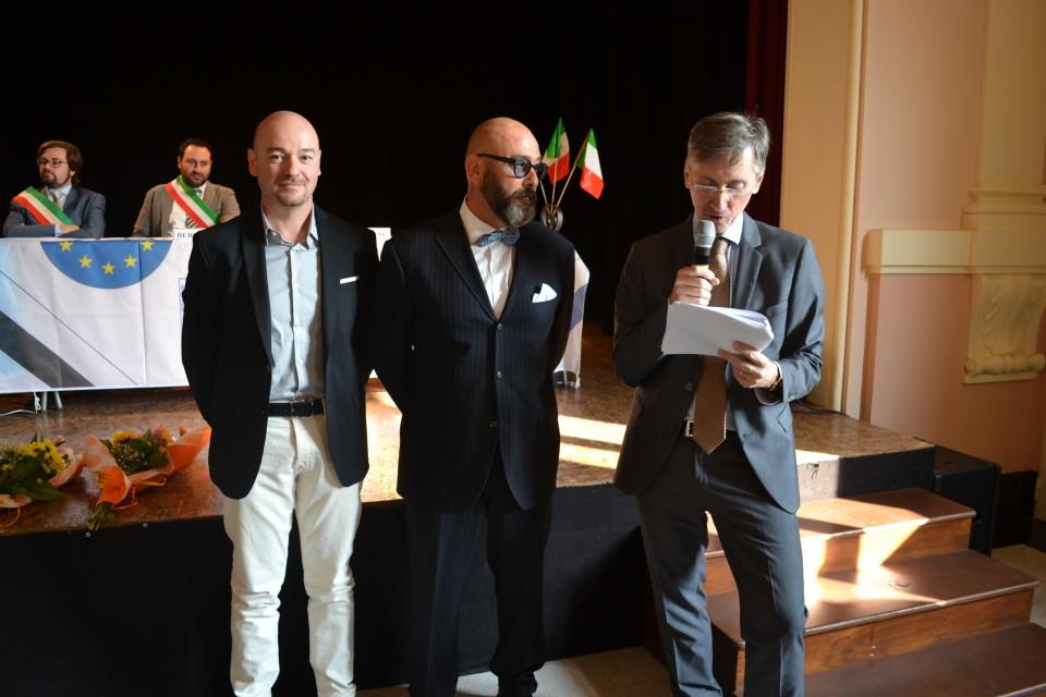 Da sinistra: Mirko Benassi, il socio Luca Benea, il coordinatore dell'Accademia dei Maestri Artigiani Marco Cappellari